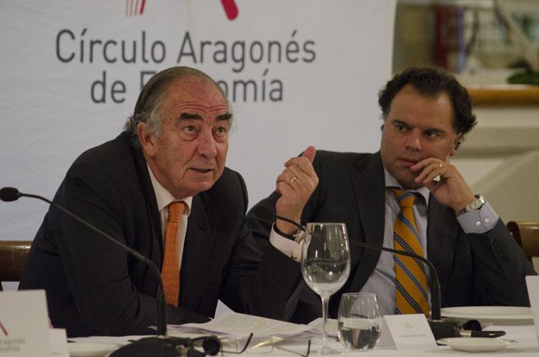 Amado Franco Lahoz, presidente de Ibercaja y Fernando de Yarza, presidente del Círculo Aragonés de Economía